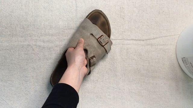 .靴磨き女子部 Shoe Care Recipe 21回目はビルケンのフットベットのお手入れです指あとが気になるといお問い合わせも多いので詳しく解説していきます。詳細は靴磨き女子部ホームページのRECIPEからご覧いただけます。毎月1回更新中♡.HP:@shoecaregirls