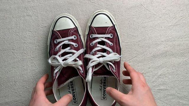 . 靴磨き女子部 Shoe Care Recipe 23回目はコンバースラバー部分のお手入れ方法ですトゥキャップなどラバー部分の汚れを落とすだけで見栄えが良くなります!是非お試しください︎詳細は靴磨き女子部ホームページのRECIPEからご覧いただけます。毎月1回更新中♡.HP:@shoecaregirls