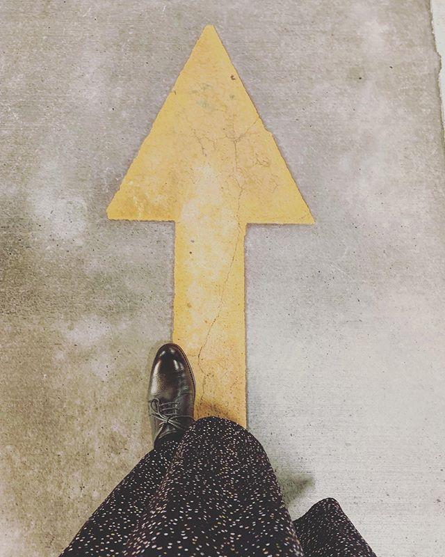 歩くのが楽しくなるのは、足元をチラチラみてしまうのは、ごきげんなのは、きっと履きおろした革靴