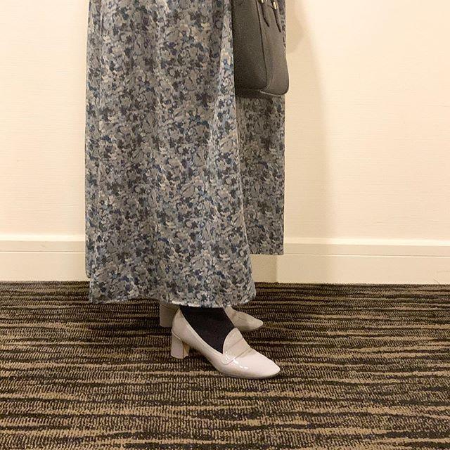エナメル靴の魅力♩普段使いから結婚式などのフォーマルなパーティーシーンまで幅広く使えエナメル素材。艶々な状態を維持するためには、エナメル専用ローション