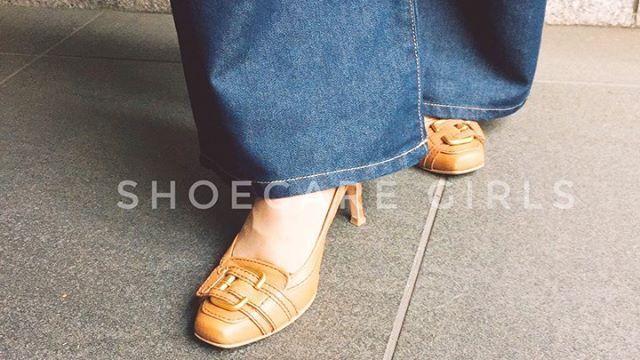 . 靴磨き女子部 Shoe Care Recipe 29回.お気に入りの靴を長く履くためにウォークセーフの装着方法.レザーソールの靴は滑りやすくて怖いけれど、修理に出すほどでもないかなぁ…と悩んでいる方必見!靴底用の滑り止め装着方法を動画にまとめました︎また、今回紹介しました使い方の詳細は.靴磨き女子部ホームページのRECIPEからご覧いただけます。毎月1回更新中靴磨き女子部ホームページは毎月更新しています!記事下にアンケートがありますので今後取り上げて欲しいテーマなど女性の皆様にもご意見頂けますと嬉しいです♡.HP:@shoecaregirls