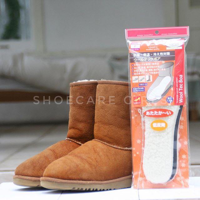 東京も急に気温が下がりました。足元の冬支度していますか??足元の冷えにはモコモコインソール、雪道の歩行には滑り止め。雪が降る前に備えましょう︎.Item︎ウールテックボアメンズ ¥900(+tax)レディス ¥800(+tax).︎スノーキャッチャー¥1,300(+tax).HP:@shoecaregirls